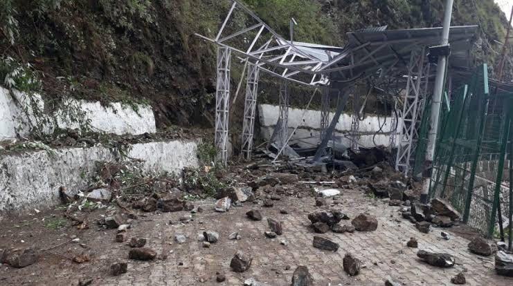 One dead, four injured as landslide hits Ramban