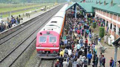 Train service resumes in Kashmir