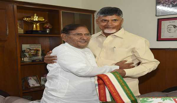 5b3d1c0321 Chandrababu Naidu meets Sharad Pawar and Sharad Yadav to discuss about  anti-BJP front