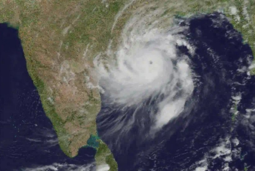 the eye of the cyclone passed through south Bhubaneswar and north of IIT Bhubaneswar