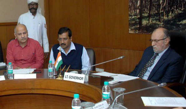 , Kejriwal discusses issue of compulsory retirement of corrupt officials of Delhi government with LG