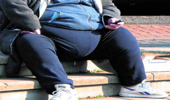 Too much time on smartphones leads to obesity, deadly disease like cardiac