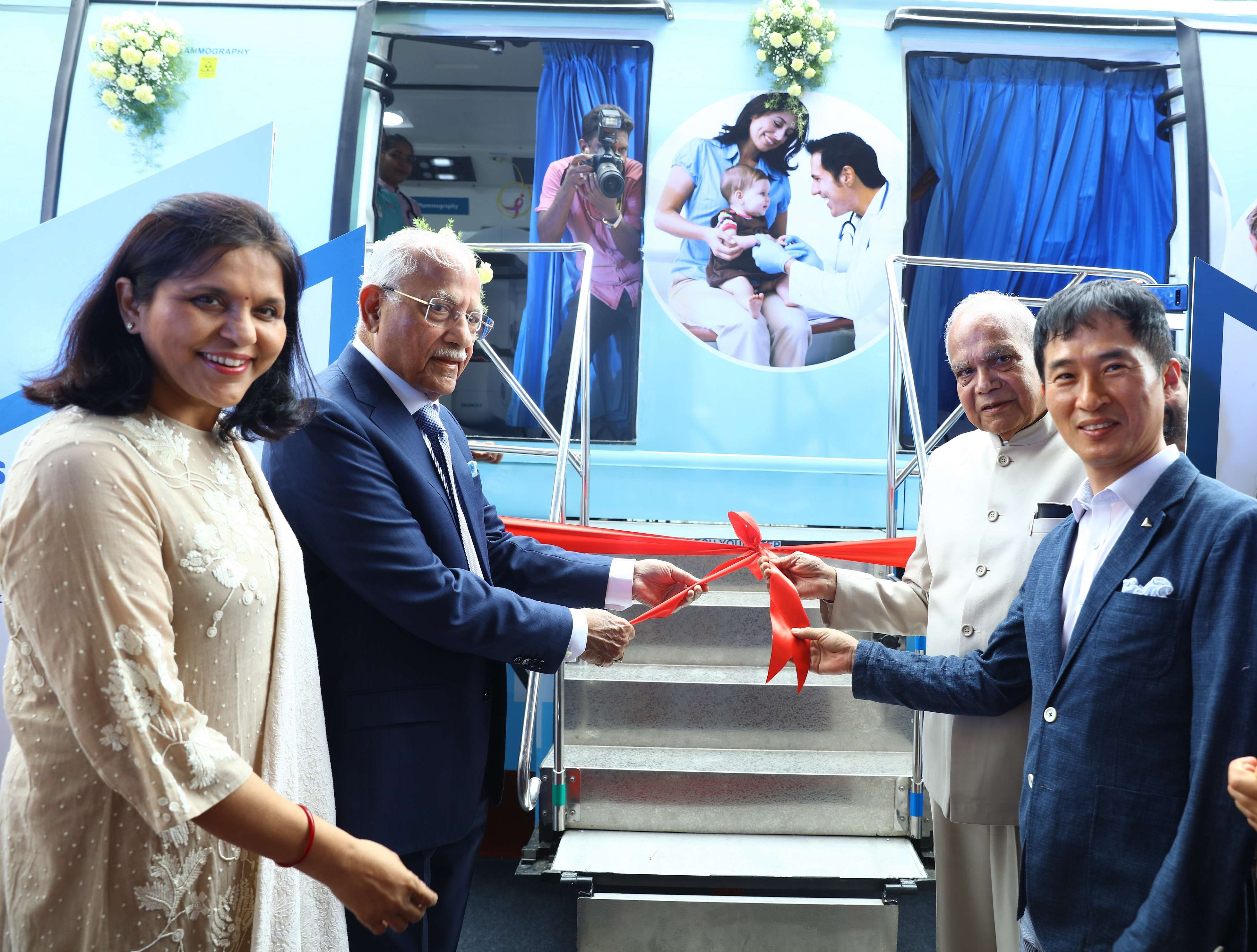 , Samsung and Apollo Hospitals launch Mobile Clinic to fight NCDs