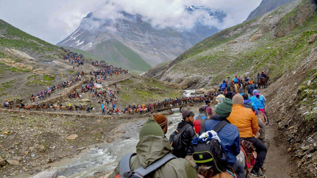 Fourth batch of 4694 pilgrims leave for Amarnath Cave Shrine from Jammu