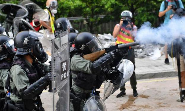 Hong Kong unrest denies to die, braves tear gas used by police