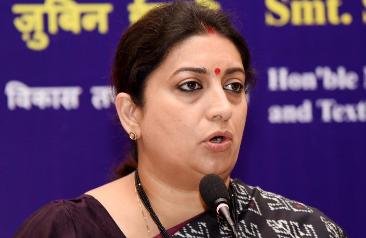#TwitterAntakshari: Smriti Irani says K.Jo's fave 'Lag ja gale' is wrong song right now
