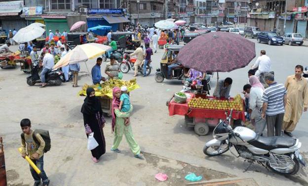 Uneasy calm in Kashmir as shutdown enters 28th day