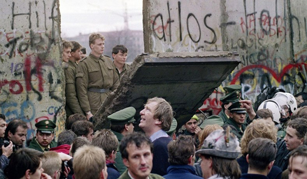 'World more divided than ever after Berlin Wall fell'