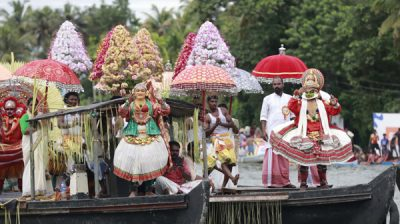 ALAPPUZHA,OCT 26 (UNI):-Artist performing Cultural programmes during Champions Boat League at Kainakary in Alappuzha on Saturday.UNI PHOTO-133U