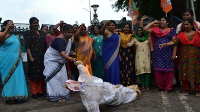THIRUVANANTHAPURAM, OCT 28 (UNI) - BJP Mahila Morcha workers burning Kerala Chief Minister Pinarayi Vijayan in effigy in front of Kerala Secretariat over the death of two Dalit sisters at Walayar in Palakkad, in Thiruvananthapuram on Monday. UNI PHOTO-15U