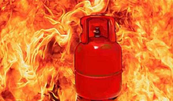 UP: 10 killed, 15 injured in a LPG explosion