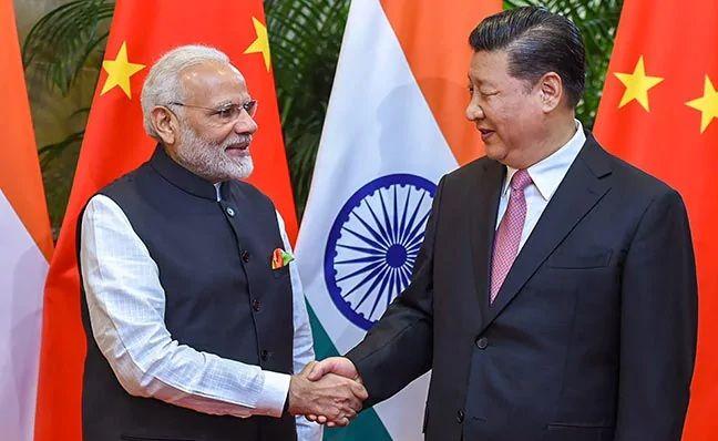 Modi, Xi, 2nd informal talk begins