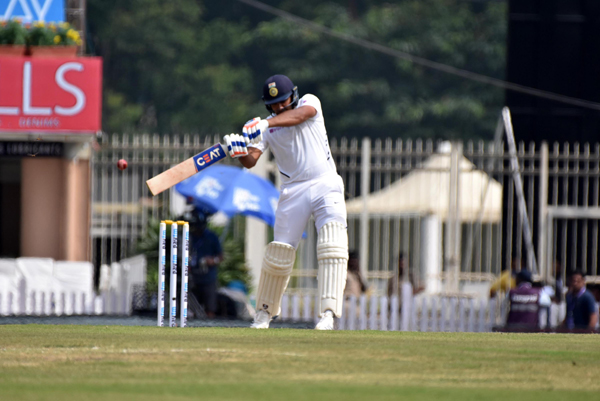RANCHI, OCT 19 (UNI):– Rohit Sharma plays a shot during 1st day of 3rd Test match against South Africa at JSCA Stadium in Ranchi on Saturday. UNI PHOTO-1U