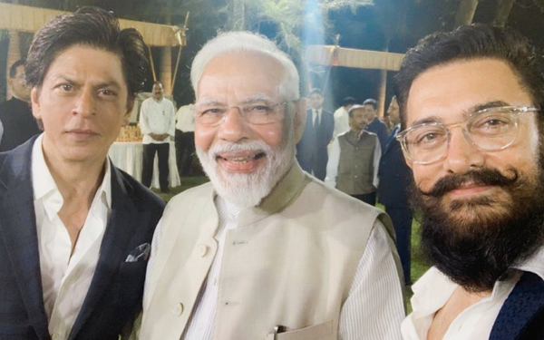 SRK thanks PM for open discussion on role artists can play in spreading Gandhi 's message
