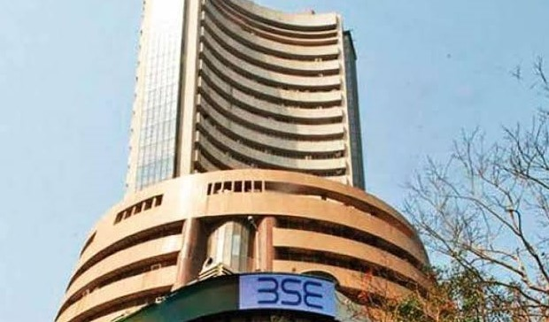 Sensex slips 120 points in early trade
