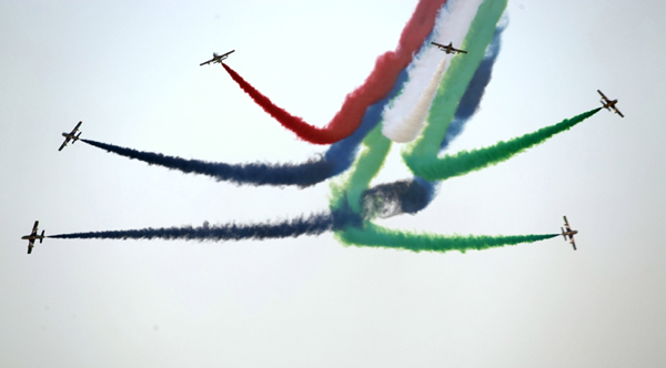 DUBAI, Nov. 20, 2019 (Xinhua) -- Aircrafts of the Al Fursan aerobatics demonstration team perform during 2019 Dubai Air Show in Dubai, the United Arab Emirates, on Nov. 19, 2019. Xinhua/UNI PHOTO-16F