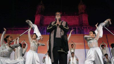 MUMBAI, NOV 27 (UNI)- Bollywood actor Amitabh Bachchan at a function to pay homage to 26/11 terror attack victims, at Gateway of India in Mumbai on Tuesday night. UNI PHOTO-5U