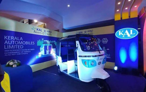 Assembly Speaker launches Electric autorickshaw 'Neem-GeAUTO'