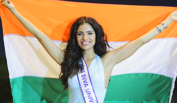 Mumbai: Miss Diva Universe 2019 Vartika Singh leaves for Georgia in the United States to participate in Miss Universe Pageant at Mumbai Airport on Nov 24, 2019. (Photo: IANS)