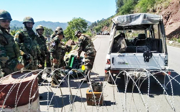IED detected on Srinagar-Jammu highway, traffic halted briefly