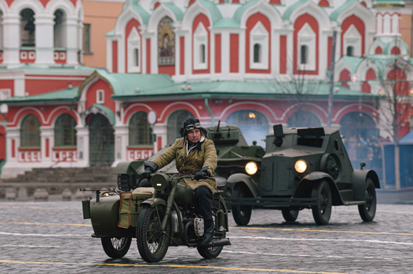 MOSCOW, Nov. 6, 2019 (Xinhua) -- A Russian soldier in World War II-era uniform participates in a parade rehearsal on the Red Square in Moscow, Russia, Nov. 5, 2019, to mark the 78th anniversary of the legendary military parade in 1941. The Nov. 7, 1941 parade was held after Russia joined World War II and aimed to raise morale as Nazi German forces approached Moscow. The troops attending the parade headed straight to the frontline outside Moscow after the parade. Xinhua/UNI PHOTO-9F