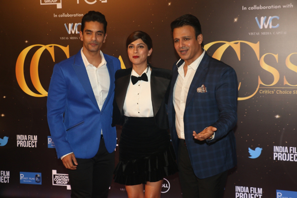 Mumbai: Actors Angad Bedi, Sapna Pabbi and Vivek Oberoi at the red carpet of Critics' Choice Awards in Mumbai on Dec 11, 2019. (Photo: IANS)