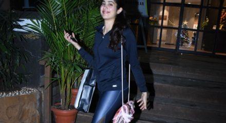 Mumbai: Actress Janhvi Kapoor seen at Bandra, in Mumbai on Dec 17, 2019. (Photo: IANS)