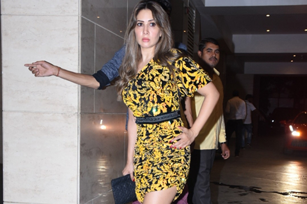 Mumbai: Actress Kim Sharma during the celebration of Jackky Bhagnani's birthday party in Mumbai on Dec 24, 2019. (Photo: IANS)