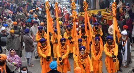 Patna: Sikh devotees participate in a 'Nagar Kirtan' - religious procession - organised to mark the birth anniversary of 10th Sikh Guru, Guru Gobind Singh, on Dec 31, 2019. (Photo: IANS)