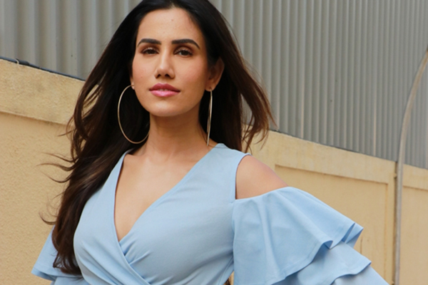 "Mumbai: Actress Sonnalli Seygall at the trailer launch of film ""Jai Mummy Di"", in Mumbai on Dec 12, 2019. (Photo: IANS)"