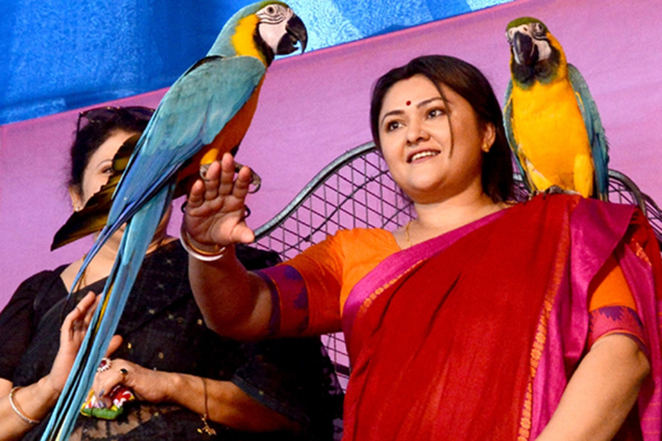Kolkata: Actress Koneenica Banerjee at the inauguration of 21st Bird's Show organised by Paschimbanga Exotic Bird Lover Organisation (PEBLO) in Kolkata on Dec 13, 2019. (Photo: IANS)
