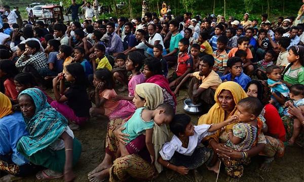 300 Bangladeshis held crossing from India this year