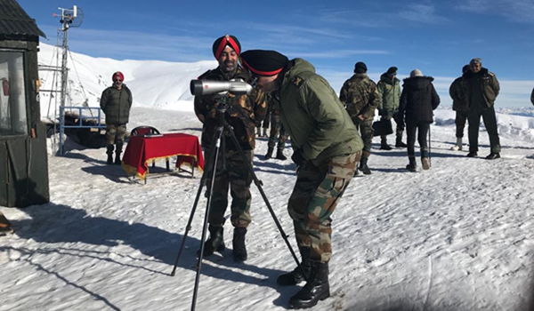 Northern Army Commander visits forward areas in J&K