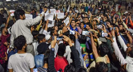 Poet Munawwar Rana's daughters booked in anti-CAA protests