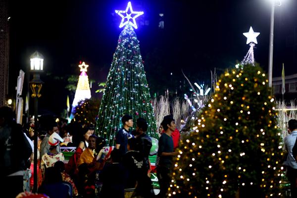 (191225) -- YANGON, Dec. 25, 2019 (Xinhua) -- Illuminated Christmas tree are seen at a church on Christmas eve in Yangon, Myanmar, Dec. 25, 2019. (Xinhua/U Aung)