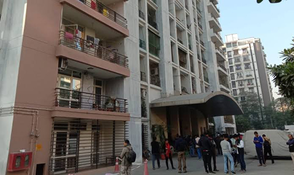 Couple leaps to death from high rise building in Ghaziabad after killing children