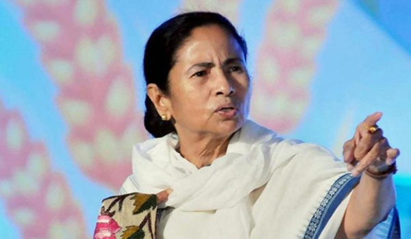 CAA: Mamata slams Modi for 'dress' comment