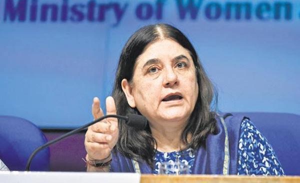Maneka disapproves police encounter against rapists, Meenakshi Lekhi backs it