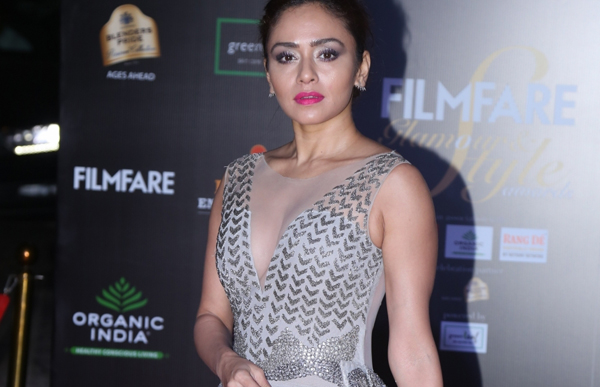 Mumbai: Actress Amruta Khanvilkar on the red carpet of Filmfare Glamour And Style Awards 2019 in Mumbai on Dec 3, 2019. (Photo: IANS)
