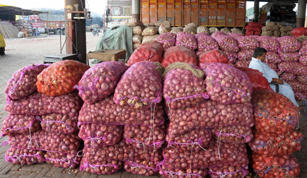 Bike-borne miscreants loot 50 kg onion