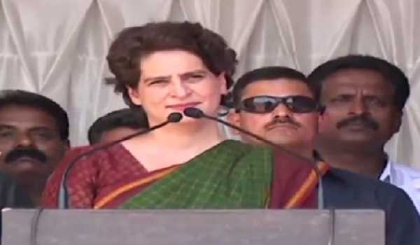 Priyanka Gandhi blames UP govt for Unnao rape victim's death