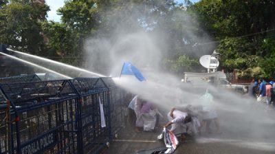 THIRUVANANTHAPURAM, DEC 4 (UNI) Police using water cannon to disperse Kerala Students Union (KSU) workers who were staging a march to Secretariat, in Thiruvananthapuram on Wednesday. UNI PHOTO-70U