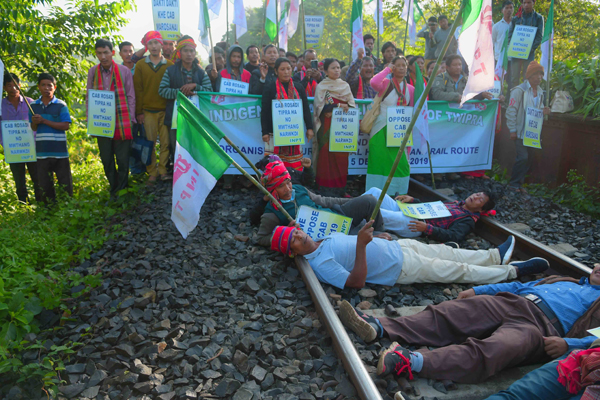AGARTALA, DEC 5 (UNI):- Indigenous Nationalist Party of Twipra activists blocking rail track in protest against the Citizenship Amendment Bill -2109, near Agartala on Thursday. UNI PHOTO- 6U