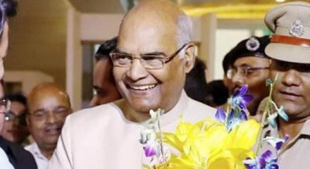 President Kovind recognises old friend, meets after 12 years