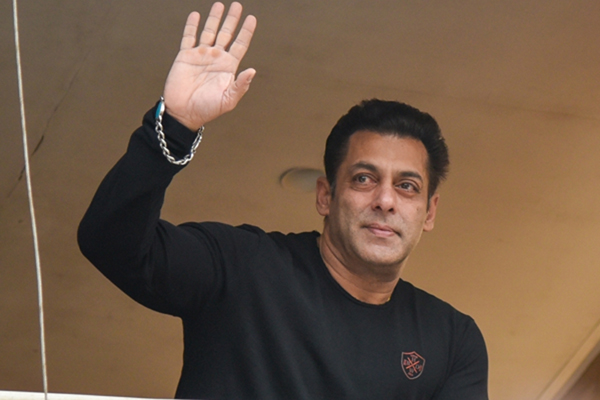 Mumbai: Actor Salman Khan waves to his fans on the eve of his birthday at his residence in Mumbai on Dec 27, 2019. (Photo: IANS)