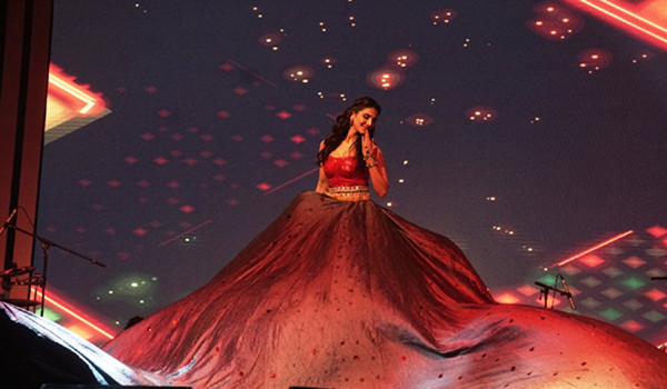 """New Delhi: Actress Vaani Kapoor performs at the opening ceremony of """"Experience One"""". (Photo: IANS)"""