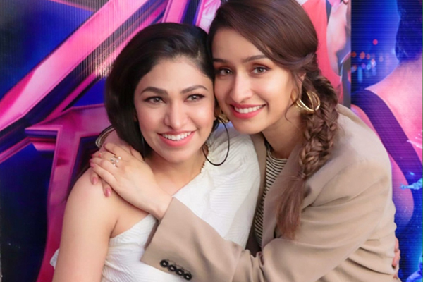 "From ""Aashiqi 2"" to upcoming film ""Street Dancer 3D"", singer Tulsi Kumar has lent her voice to actress Shraddha Kapoor a lot of times. According to Shraddha, ""Tulsi's voice suits her very well""."