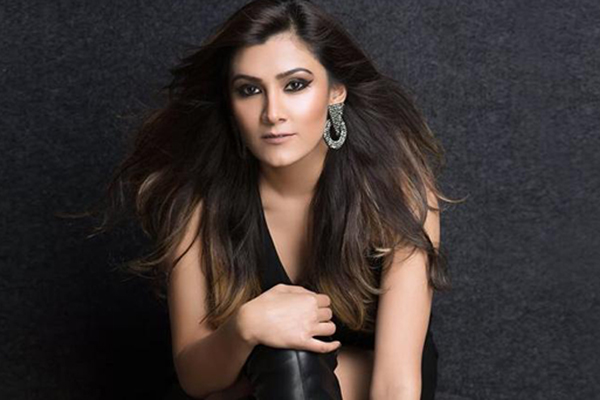 Aastha Gill unveils song about a 'mysterious beautiful girl