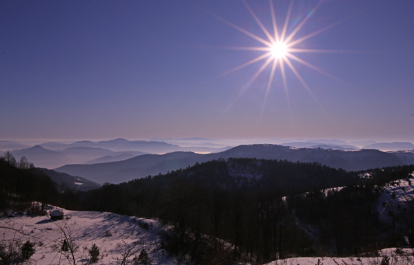 UZICE, Jan. 16, 2020 (Xinhua) -- Photo taken on Jan. 15, 2020 shows a view of mountainous scenery in western Serbia. (Photo by Nemanja Cabric/Xinhua/IANS)