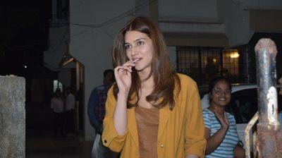 Mumbai: Actress Kriti Sanon seen at Juhu, in Mumbai on Dec 31, 2019. (Photo: IANS)